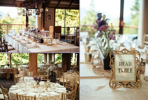 Gold tones added an elegant element to the rustic theme