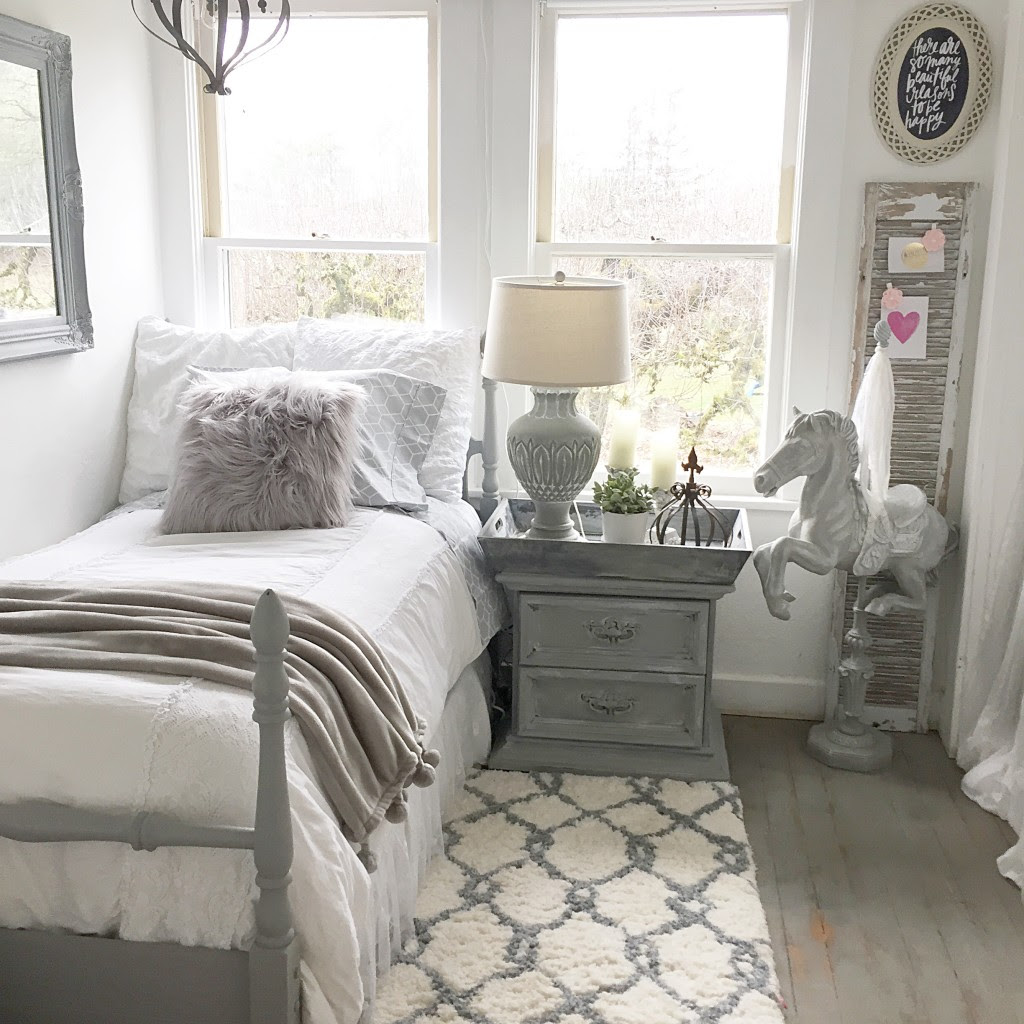 Teen Girl's Bedroom Style- Easy Chalk Paint Recipe ...
