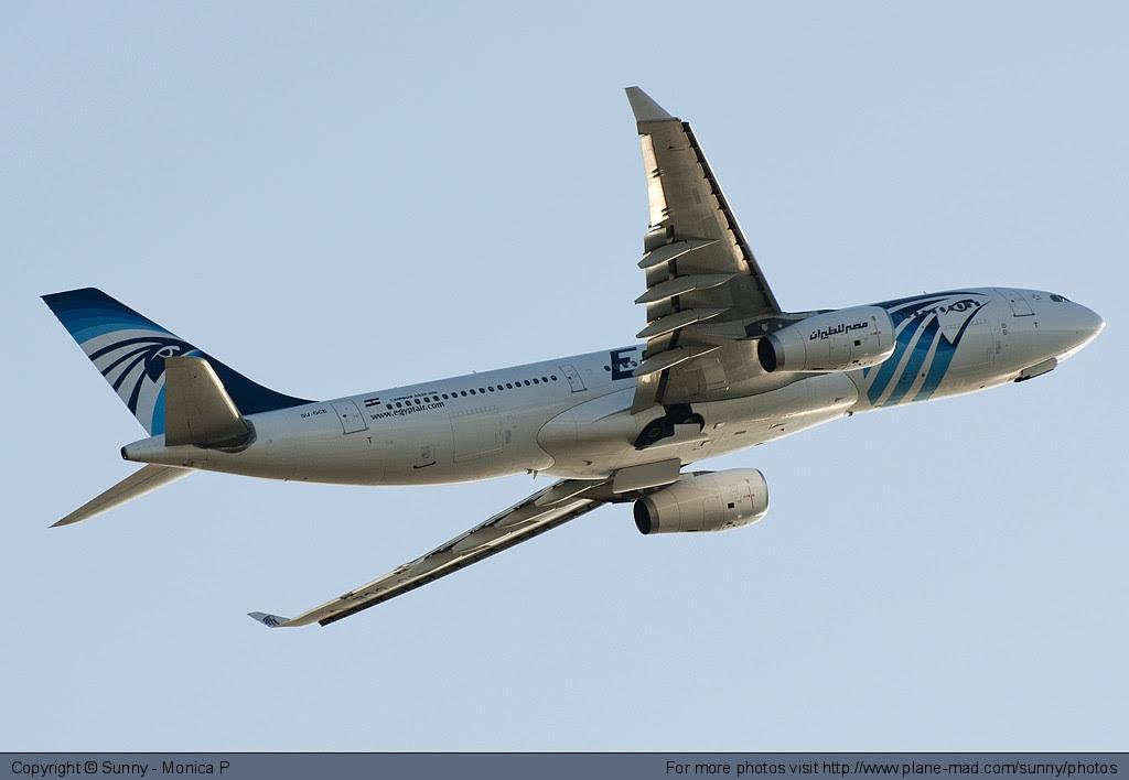 Egyptair A330 climbing out of Fiumicino