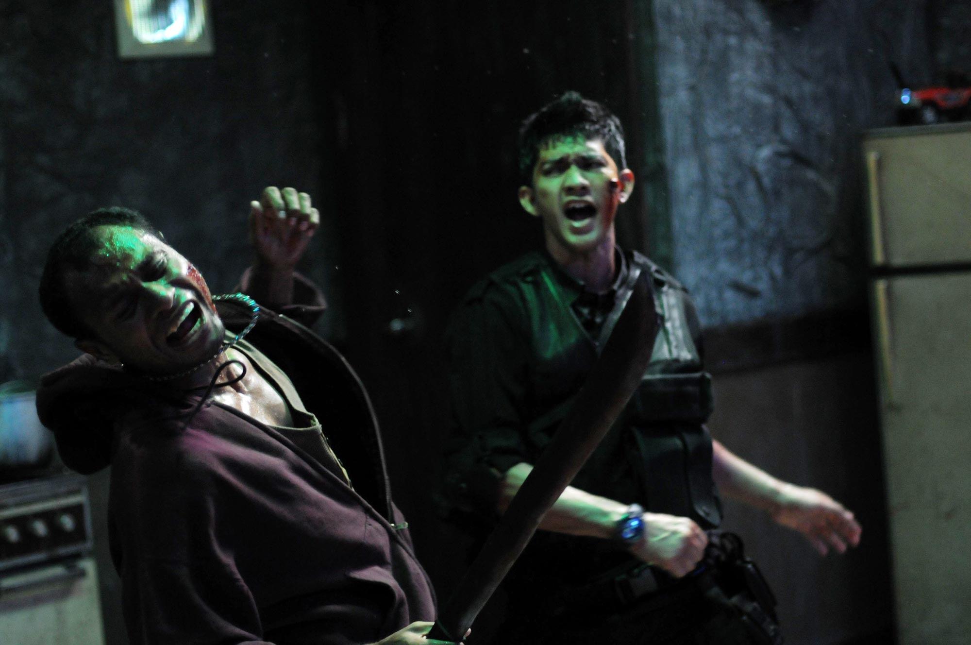 http://www.filmofilia.com/wp-content/uploads/2011/09/the_raid_img.jpg