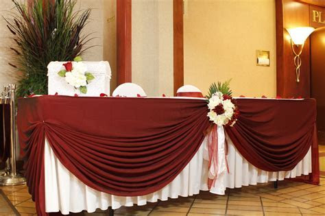 Wedding table decoration, Linens   Noretas Decor Inc