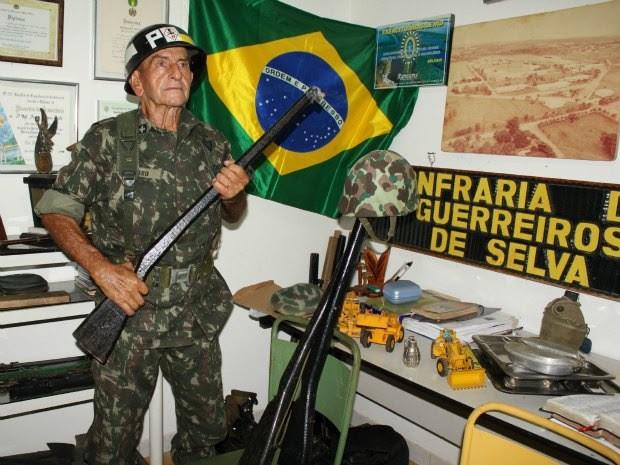 Sargento Áureo montou um mini museu em sua casa (Foto: Ivanete Damasceno/G1)