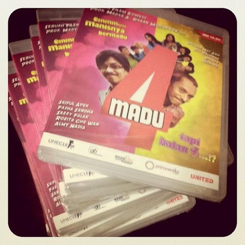 20 DVD Filem 4 Madu sumbangan Primeworks utk goodies Party Ulangtahun Budiey.com. Thanks!