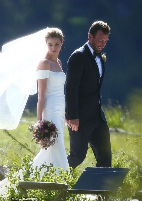 After a long relationship affair, Erin Andrews Married her
