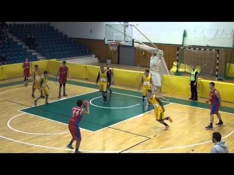 Στιγμιότυπα από το παιχνίδι των εφήβων του ΠΚ Νεάπολης με τον Αριστοτέλη Επανομής