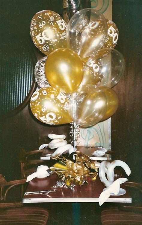 50th Wedding Anniversary Centerpieces   balloons for 50th