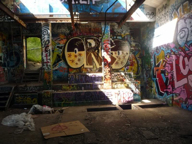 Graffitied Abandoned Building Hidden In Rustic Canyon Near The Trail I Couldnt Find During My Hike From Will Rogers Into Topanga