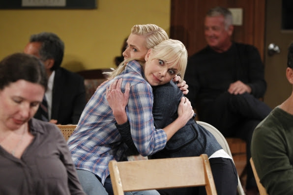 12 First Look Moments from the Season Premiere of Mom