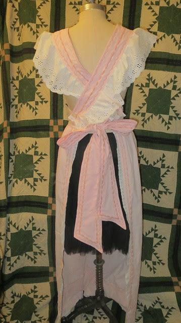 back last apron she wears