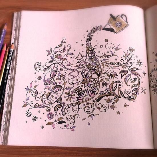 ひみつの花園4色だけで上品に塗るにはオススメの色鉛筆はコレ