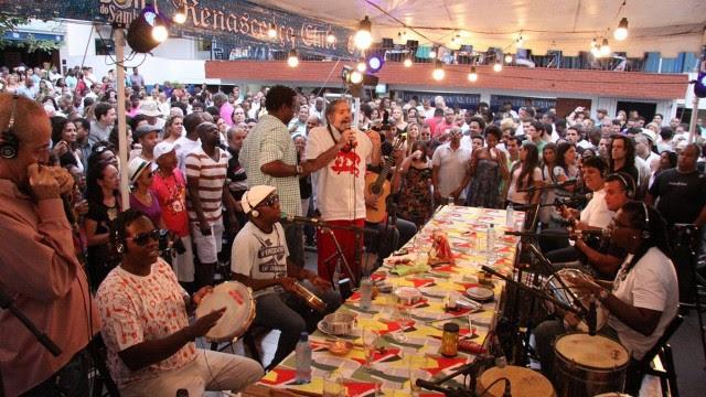 Moacyr Luz comanda o Samba do Trabalhador