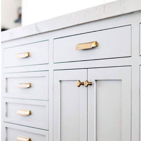 Top 70 Best Kitchen Cabinet Hardware Ideas - Knob And Pull ...