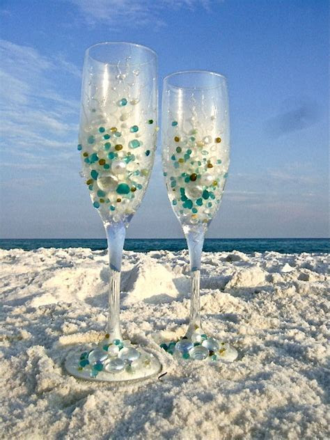 Custom Beach Wedding Champagne Glasses ? Add a Beach Touch