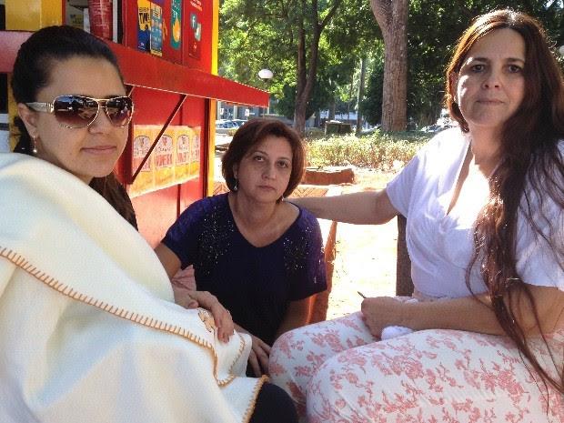 Servidoras públicas Luciene Cintra, Luciene Franco e Darc Lourenço relatam mudanças na rotina por suspeita de serial killer em Goiânia, Goiás (Foto: Luísa Gomes/G1)