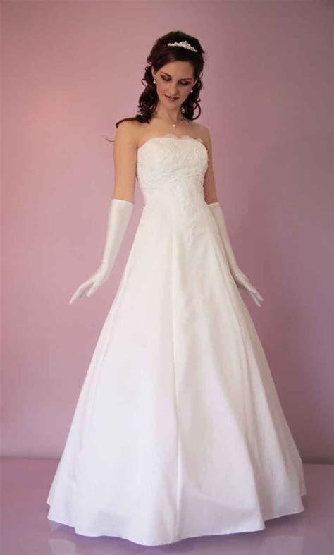 Cheap debutante dresses and wedding dresses Melbourne