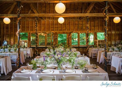 Article: Barn Wedding Venues in VT   Jaclyn Schmitz