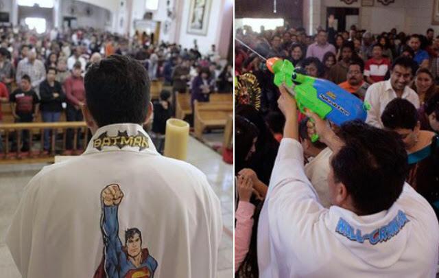 Sociedad | Mexico: Un cura atrae niños a la iglesia con figuras de superhéroes
