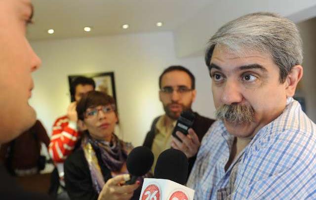 """Argentina tiene que empezar a pensar en pesos"", dijo senador ""K"""