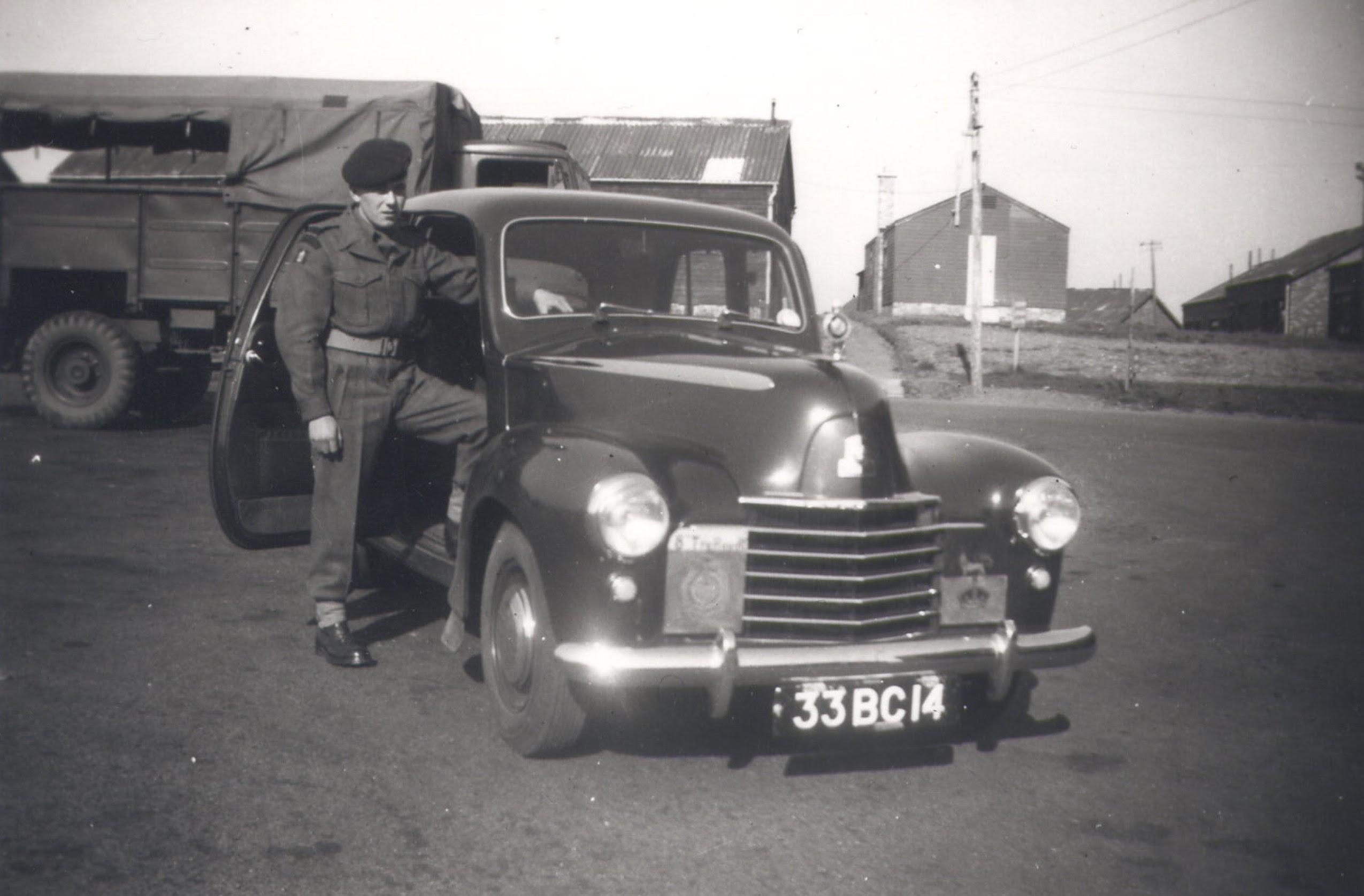 Vauxhall Wyvern Staff Car (33 BC 14)