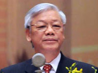 Nguyễn Phú Trọng, Tổng Bí Cộng Ðảng Bắc Cộng: mắt mở không ra.
