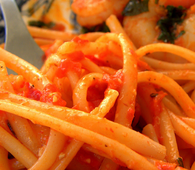 Linguini With Roasted Pepper Sauce