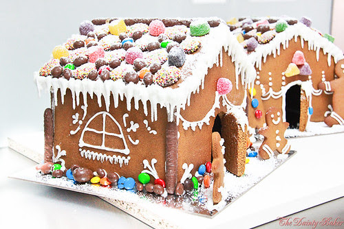 Gingerbread house-17