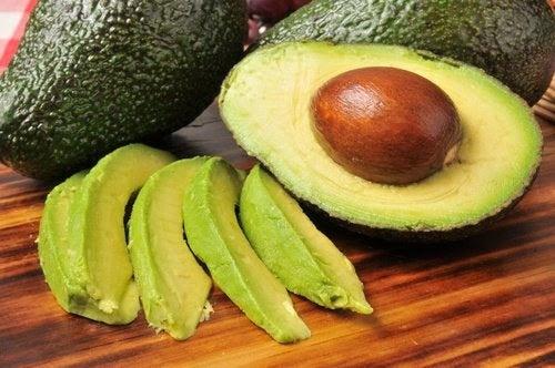 8 alimentos que ajudam a prevenir o AVC ou derrame cerebral