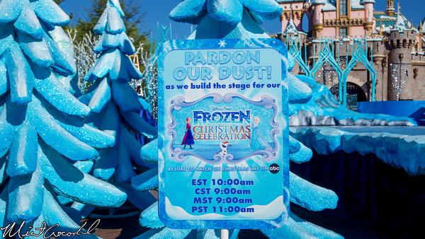 Disneyland Resort, Disneyland, Sleeping Beauty Castle, Christmas, Parade, Show, Frozen, Christmas Time
