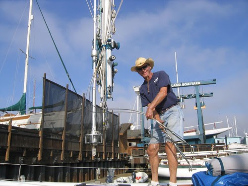 John pulls the mast