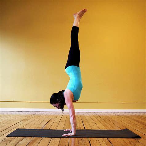 ways  prevent wrist pain  common yoga poses popsugar