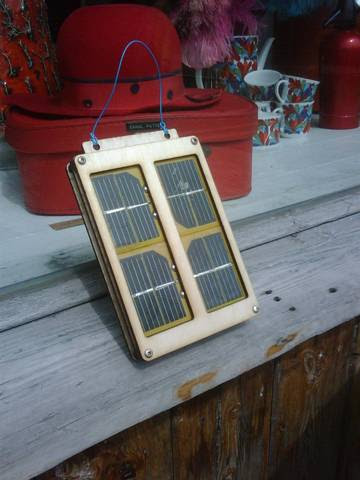 Solar phone charger workshop