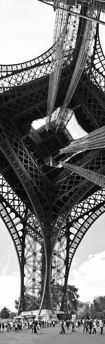 Not your typical Eiffel Tower postcard photo - Fuji X10 vertical pano