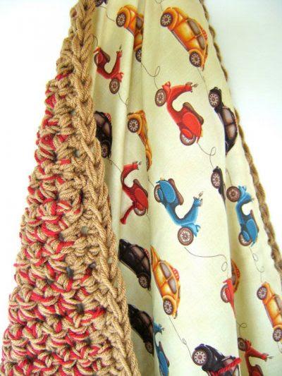 manta de crochê tecido 400x533 20 idéias inspiradoras para Combinando Crochê com Tecido