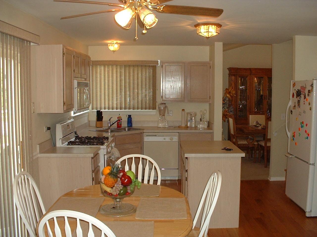 Kitchen Paint Colors with Oak Cabinets