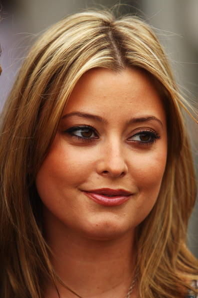 Holly Valance Sexy Australian Actress,Model and Singer most hot and spicy stills