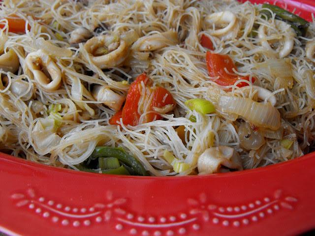 Massa de arroz com lulas