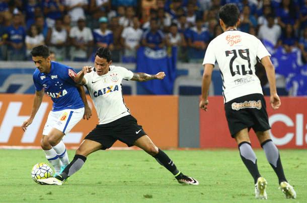 Cruzeiro elimina o Corinthians