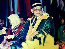 Tun-Ahmad-Zaidi-Adruce.jpg