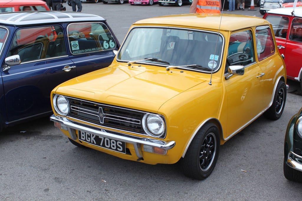 Low Mileage Classic Minis Proving Popular
