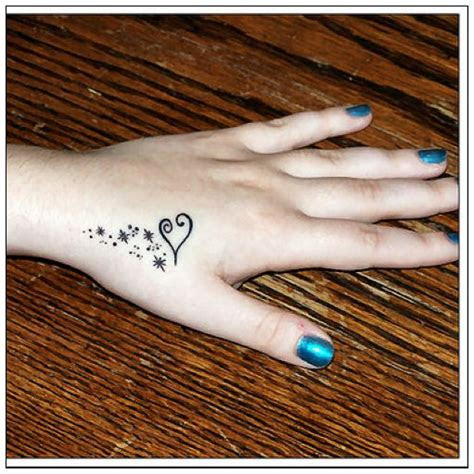 hand tattoo women beauty fashion
