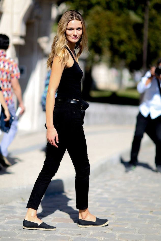 Le Fashion Blog Model Off Duty Paris Street Style Edita Vilkeviciute All Black Classic Summer Look Tank Top Cropped Jeans Espadrille Flats Via Style Bistro