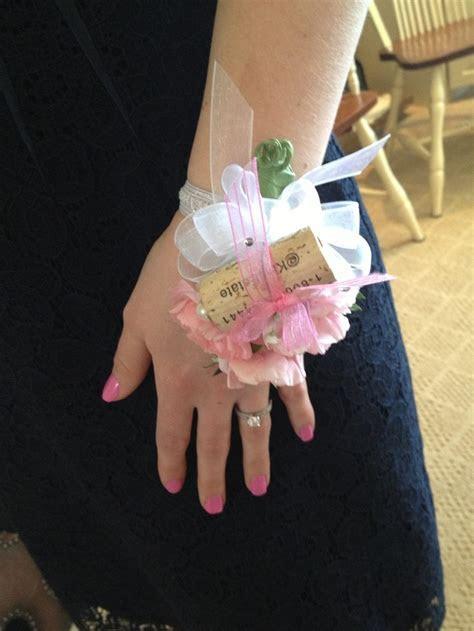 Wine cork corsage   Bridal Shower ideas   Pinterest   Wine