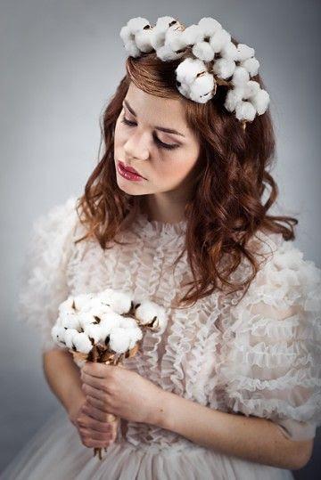Ślubny wianek z kwiatami bawełny - 012