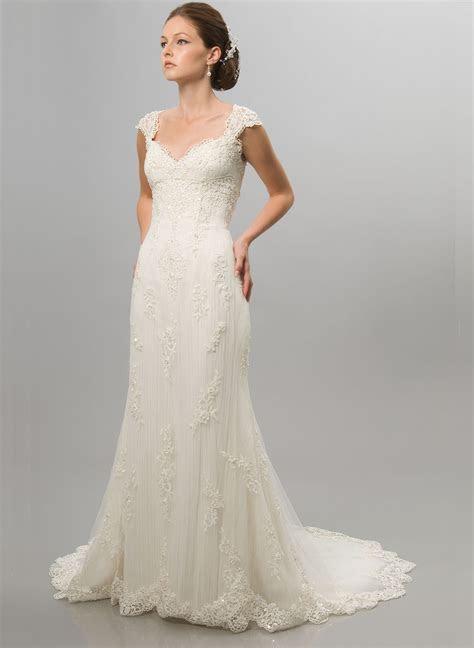 Wedding dresses for short curvy brides   All women dresses