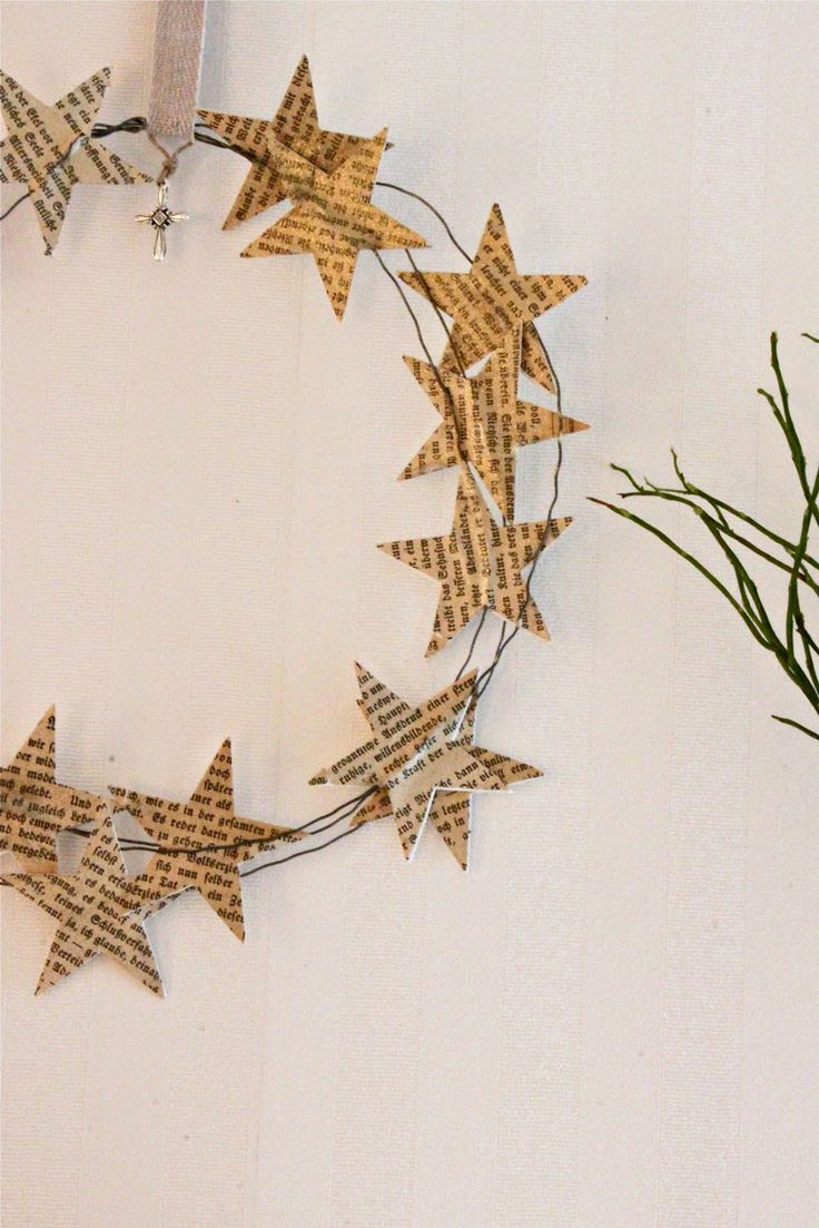 star wreath. simple. cool....for those w. no access to lots of greenery. @Amy Lyons Lyons Lyons Lyons Lyons Lyons Miles