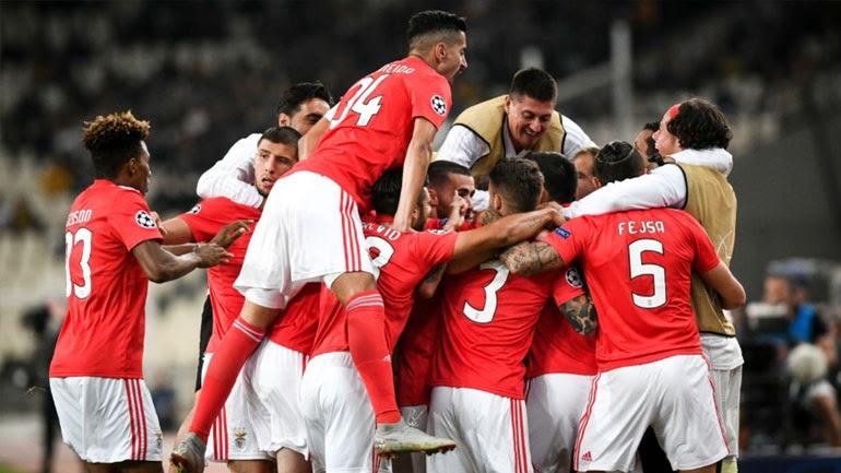 Οι Πορτογάλοι πανηγυρίζουν το πρώτο τους γκολ