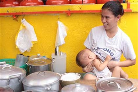 30 Amazing Breastfeeding Photos from Around the World