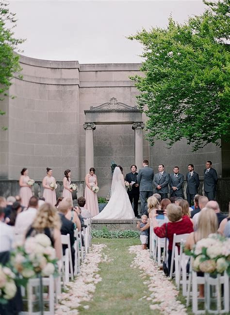 The Hanna Garden & Renaissance Cleveland Wedding