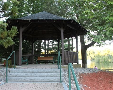 Weddings at Mohegan Park, Norwich, Connecticut