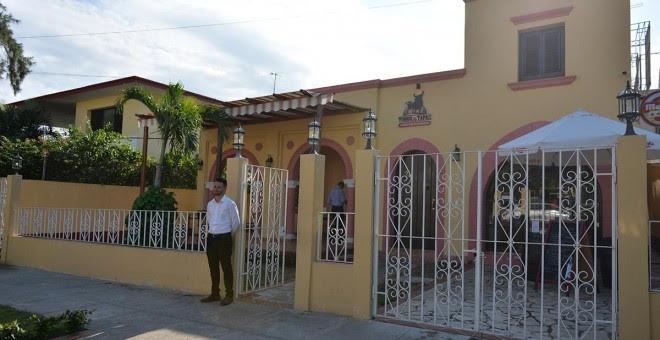 Mauricio abrió un restaurante español en La Habana.